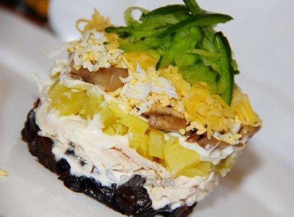 рецепт сытного салата Венеция с грибами и сыром silady.ru